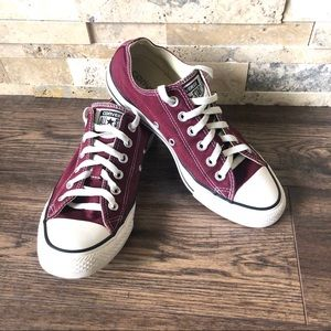 Converse Chuck Taylor  Low Top Maroon Sneakers